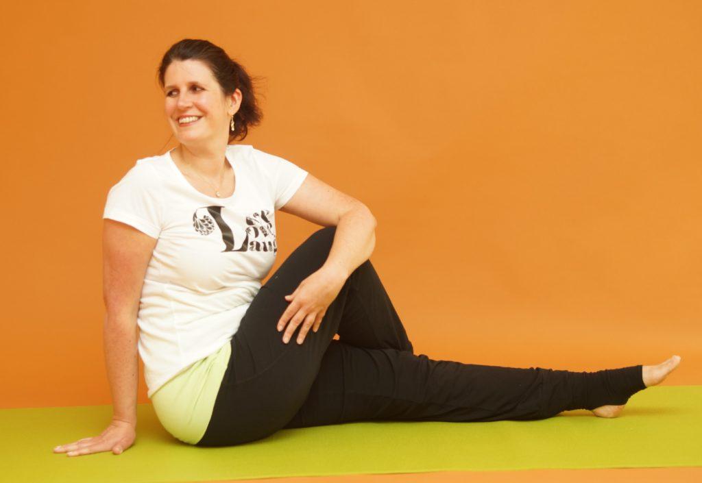 Yoga - einfacher Drehsitz